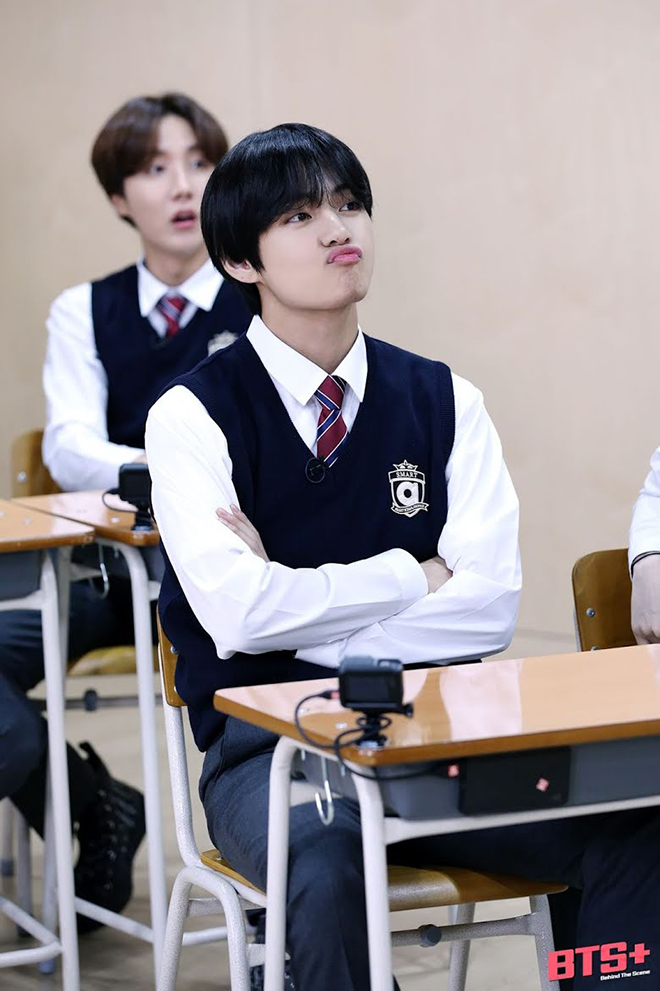 BTS, Jin, V BTS, V và Jin khuyên sinh viên hoàn toàn khác nhau, Jungkook, RM BTS