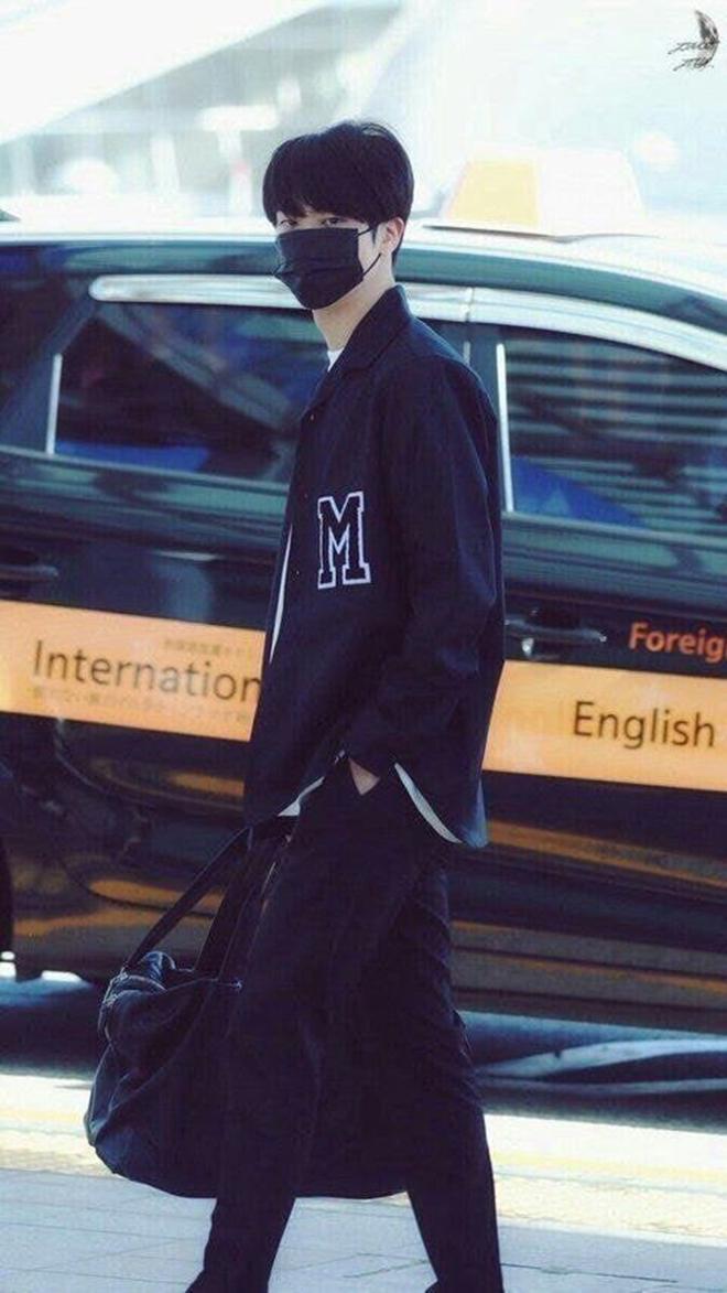 BTS, Jin, 10 khoảnh khắc thời trang của Jin, Jin sunbae đại học, Jungkook, Jimin