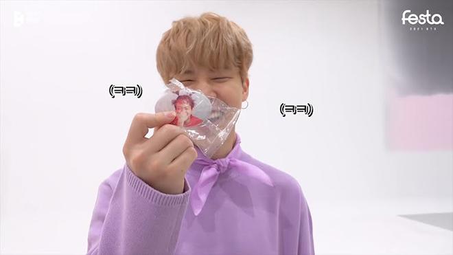 BTS, Jungkook, Jungkook với bím tóc Pippi tất dài, Mở nắp chai hình Jungkook