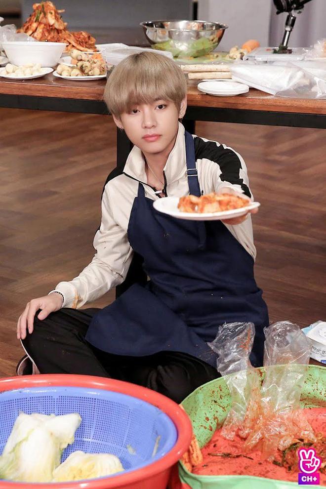 BTS, Thói quen của V BTS, V BTS có thói quen nói khi ngủ, Jungkook, Jimin, Suga