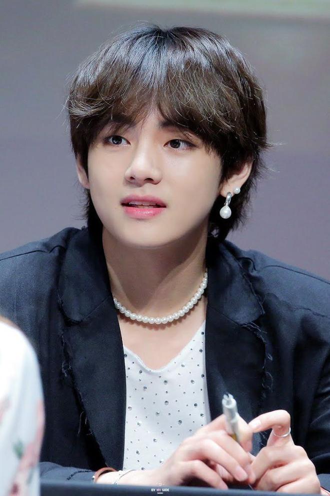 BTS, V BTS, V BTS là vua phụ kiện ngọc trai, Kim Taehyun, Jungkook, MUSTER 2021