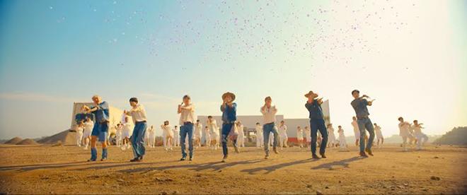BTS, Permission To Dance, Cảnh quay thả bóng bay gây tranh cãi của BTS, Jimin