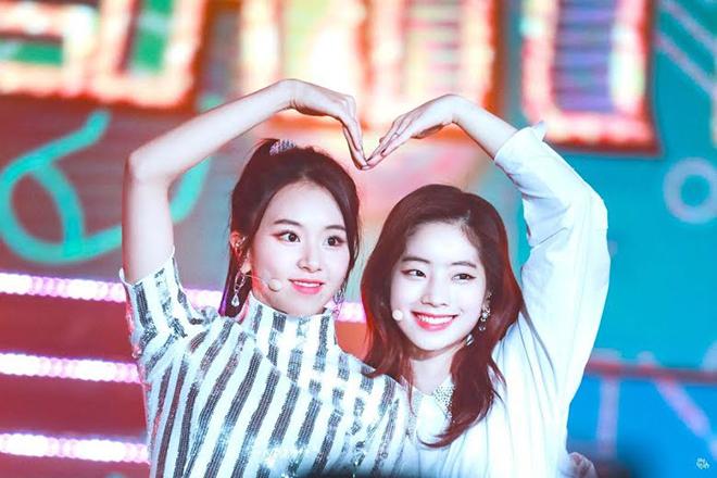 Twice, Dahyun. Dahyun không còn là cô nàng thấp nhất Twice, Chaeyoung, Momo