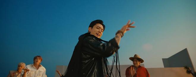 BTS, Permission To Dance, 10 khoảnh khắc đẹp nhất trong Permission To Dance