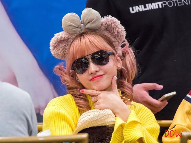 Twice, Các cô nàng Twice nổi loạn, Twice sống phá luật của JYP, Momo, Chaeyoung