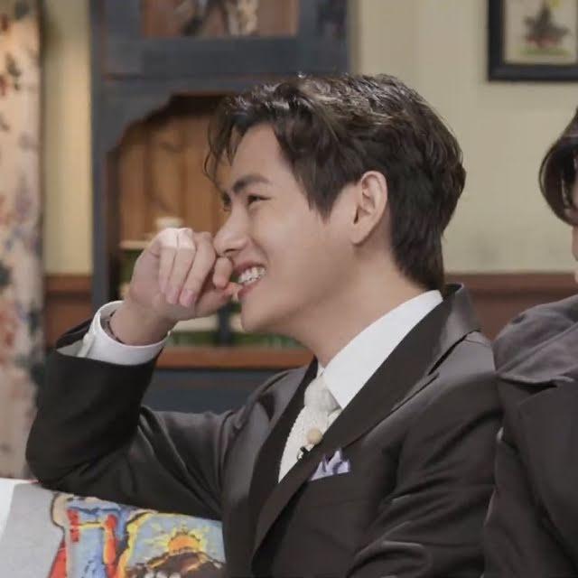 BTS, V BTS, Choi Woo Shik, 10 khoảnh khắc phải xem của V BTS, CD Butter, RM BTS