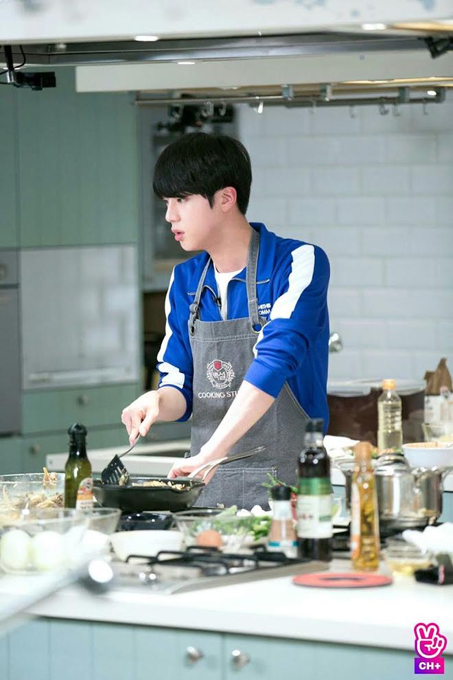 BTS, Các món nấu tủ của BTS, BTS tính phát hành sách dạy nấu ăn, Jungkook, Suga