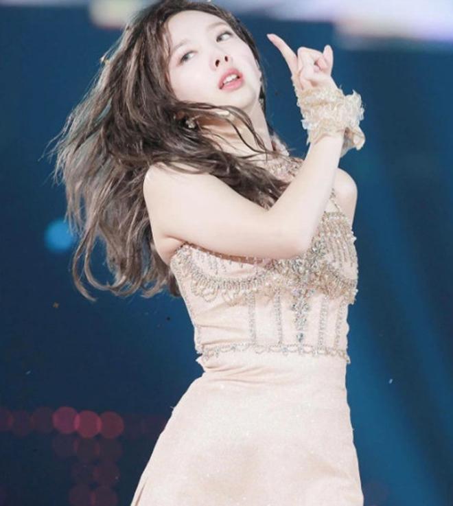 TWICE, Nayeon, MAMA 2019,  Feel Special, Fancy, Mnet 2019, Twice