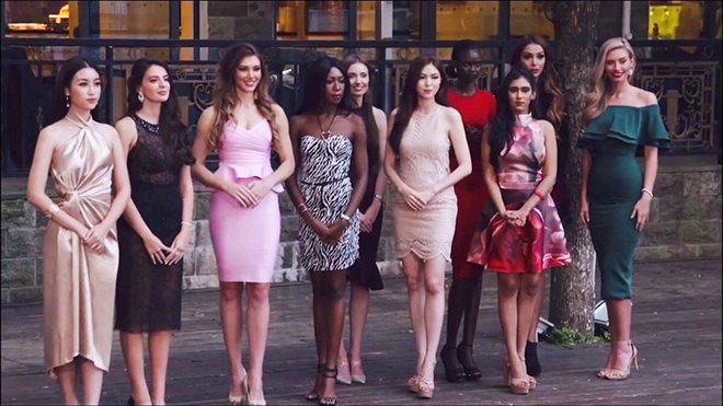 Đỗ Mỹ Linh nói tiếng Anh như gió trong thử thách đối đầu tại Hoa hậu Thế giới 2017