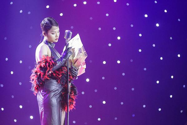Miu Lê bị nhận xét là không đủ trình làm ca sĩ