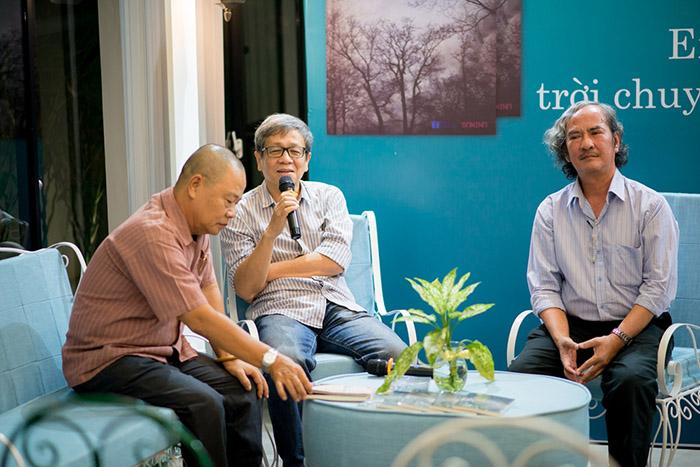 Từ trái qua phải: Nhà thơ Trần Tiến Dũng, nhà văn Vũ Thành Sơn và nhà văn Mai Sơn