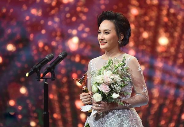 Bảo Thanh nhận giải Nữ diễn viên ấn tượng nhất VTV award