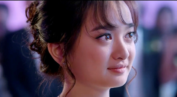 Không chỉ diễn xuất tốt, khán giả còn coi Kaity như một biểu tượng sắc đẹp mới của con gái Việt