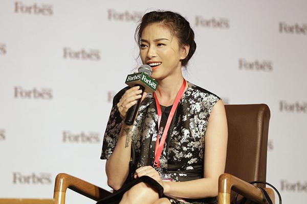 Ngô Thanh được biết đến là một nghệ sĩ đa tài khi vừa làm nhà sản xuất phim, vừa đóng phim