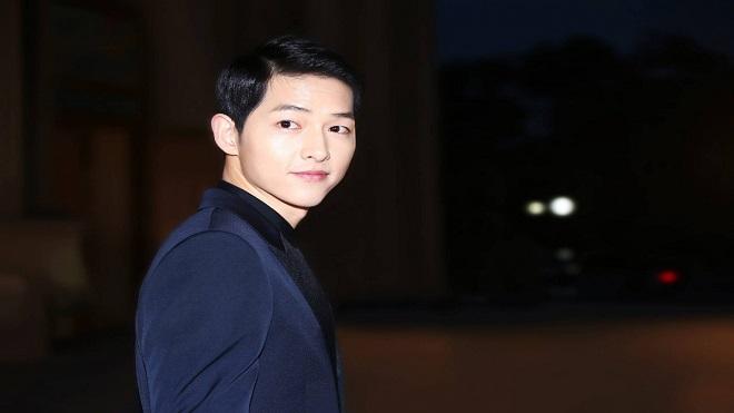 Người hâm mộ lo lắng về tình trạng sức khỏe của Song Joong Ki sau thông báo ly hôn