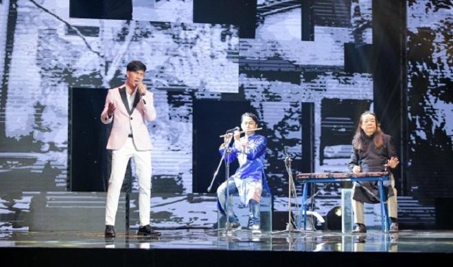 Âm sắc từ những nhạc cụ dân tộc đã giúp cho phần thi của Ngọc Sơn khá hoàn hảo