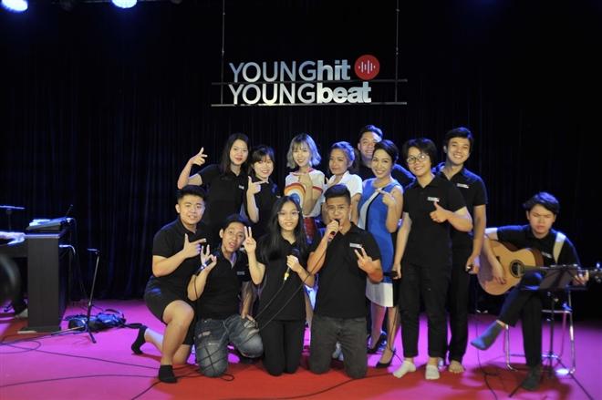 Min, ca sĩ Mỹ Linh và các học trò