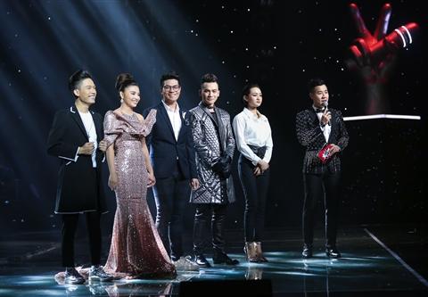 Nguyên Khang bên cạnh Top 5