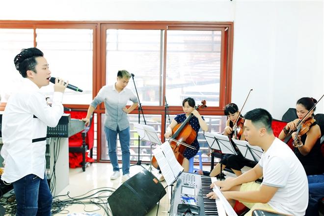 """Ca sĩ Tùng Dương sắp """"phát hành"""" ca khúc mới của nhạc sĩ Nguyễn Cường trong chương trình"""