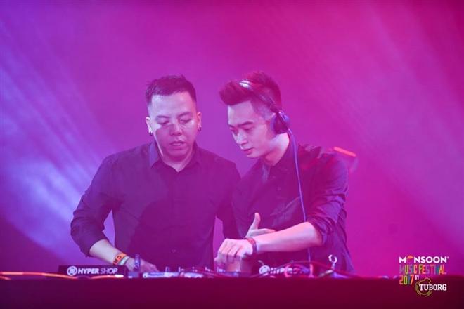 Hoàng Touliver và SlimV