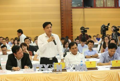 Trong ảnh: Thứ trưởng Bộ Giao thông vận tải Nguyễn Ngọc Đông trả lời câu hỏi của phóng viên. Ảnh: Dương Giang – TTXVN