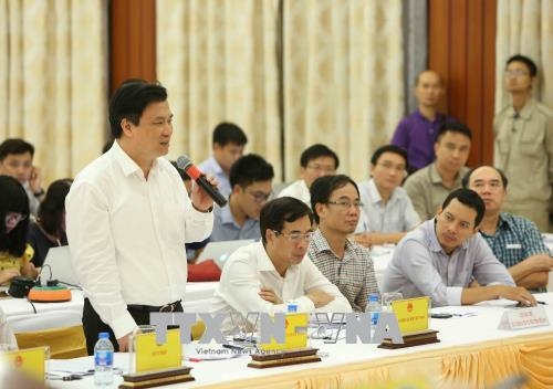 Trong ảnh: Thứ trưởng Bộ Giáo dục và Đào tạo Nguyễn Hữu Độ trả lời câu hỏi của phóng viên. Ảnh: Dương Giang – TTXVN