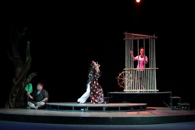 """Vở kịch """"Lời nói dối cuối cùng"""" của Nhà hát Tuổi trẻ tham dự Liên hoan. Ảnh: Thế Toàn."""