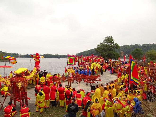Tưng bừng lễ hội mùa Xuân Côn Sơn- Kiếp Bạc