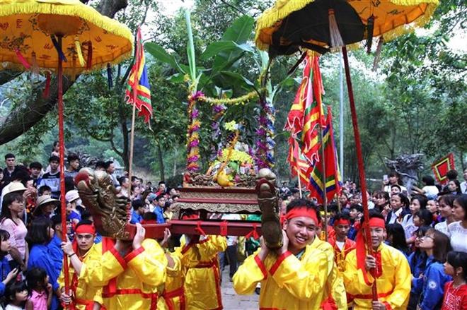 Trong ảnh: Lễ rước cỏ voi của người dân thôn Xuân Tảo, xã Xuân Giang. Ảnh: Quang Quyết-TTXVN