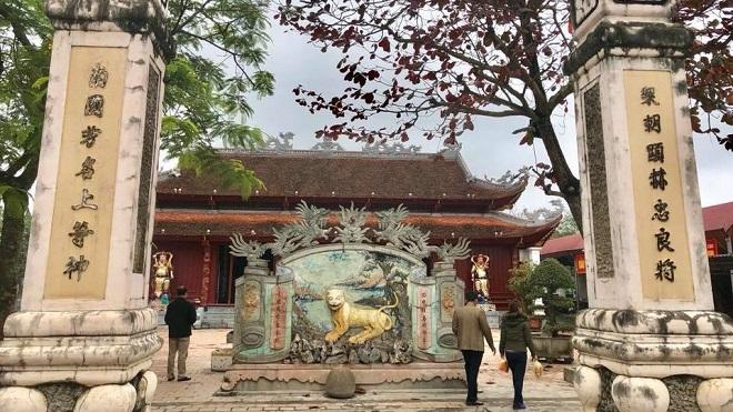 Viếng đền Ông Hoàng Mười, ngôi đền thiêng trên thế đất hình mỏ hạc