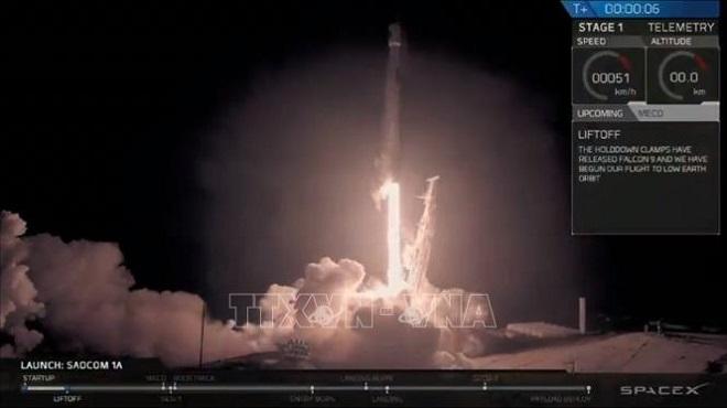 Space X phóng thành công tàu vũ trụ Crew Drago