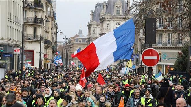 Pháp: Biểu tình của phe 'Áo vàng' biến thành bạo động, hơn 100 người bị bắt tại Paris