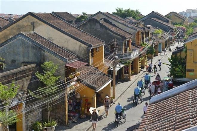 Trong ảnh: Thành phố Hội An, tỉnh Quảng Nam thu hút hàng triệu lượt khách mỗi năm. Ảnh: Thanh Hà - TTXVN