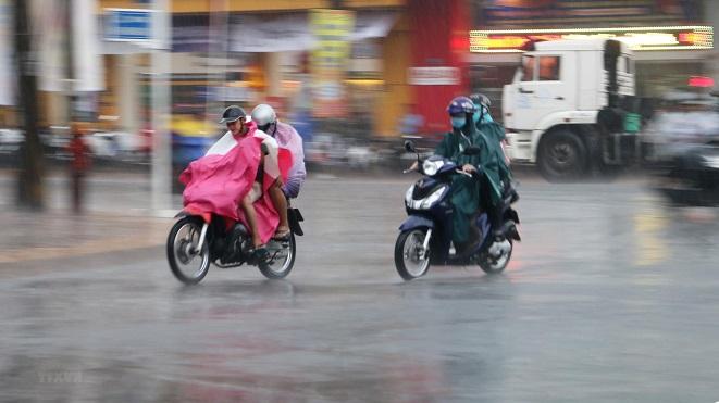 Ngày 14/7, Bắc Bộ nắng nóng, một số tỉnh vùng núi có mưa to đến rất to