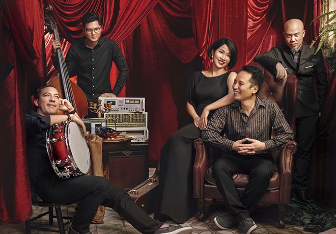 Mỹ Linh và ban nhạc Anh Em đã có nhiều năm gắn bó
