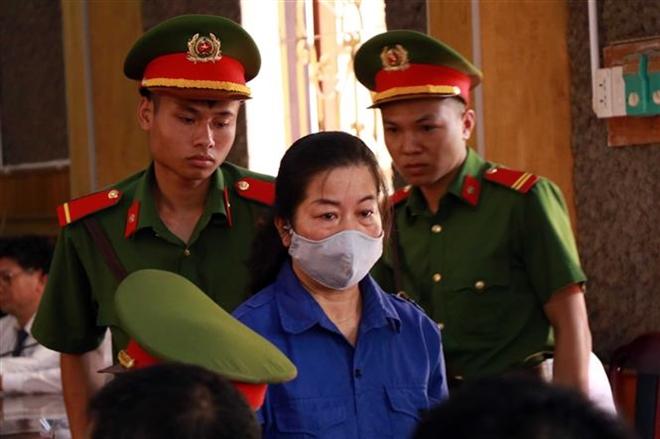 Bị cáo Cầm Thị Bun Sọn (nguyên Phó Trưởng phòng Chính trị tư tưởng, Sở Giáo dục và Đào tạo tỉnh Sơn La)