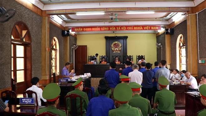 Trong ảnh: Quang cảnh phiên tòa ngày 24/5. Ảnh: Hữu Quyết - TTXVN