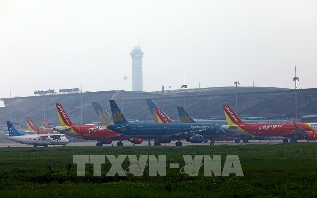 Máy bay của các hãng hàng không đậu tại sân bay Nội Bài