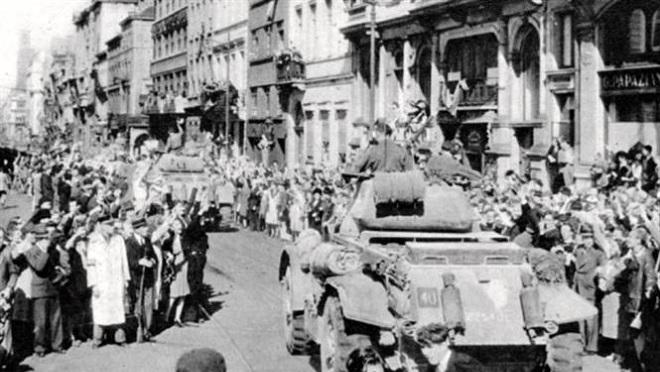 75 năm chiến thắng phát xít: Những bài ca vượt qua lửa đạn