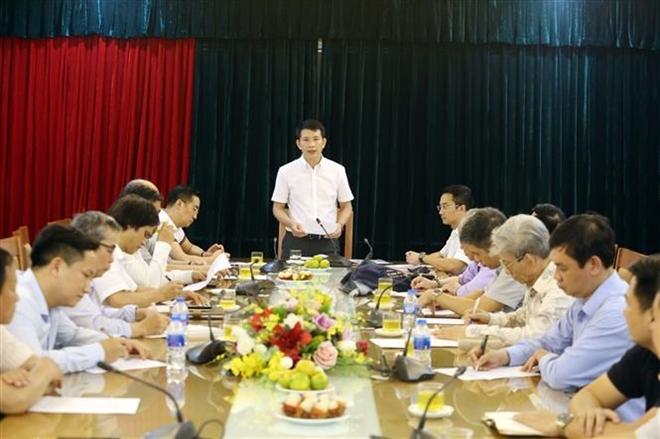 Trong ảnh: Phó Chủ tịch UBND quận Hoàn Kiếm, Phạm Tuấn Long chủ trì cuộc Họp đánh giá nghiên cứu. Ảnh: Anh Tuấn – TTXVN