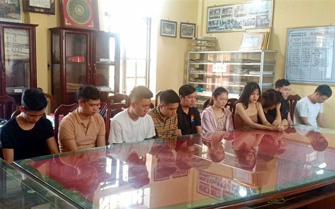 Trong ảnh: Các đối tượng bị Công an huyện Hải Hậu bắt giữ. Ảnh: TTXVN phát