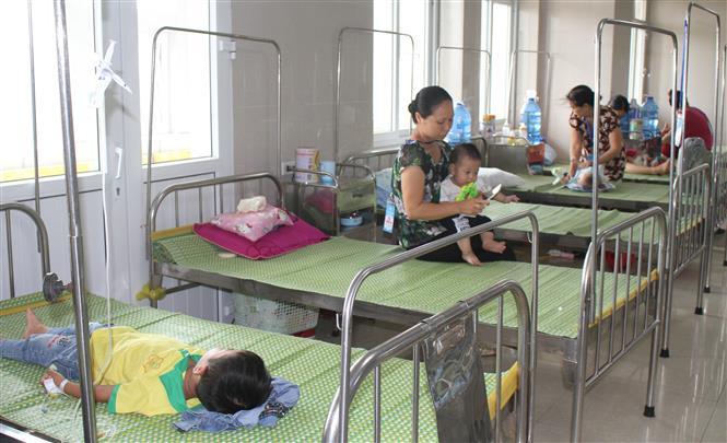 Ninh Bình: Người già, trẻ em nhập viện tăng vì nắng nóng kéo dài
