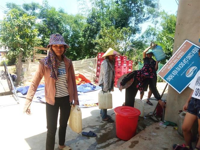 Nắng nóng gây thiếu nước sinh hoạt ở Hà Tĩnh