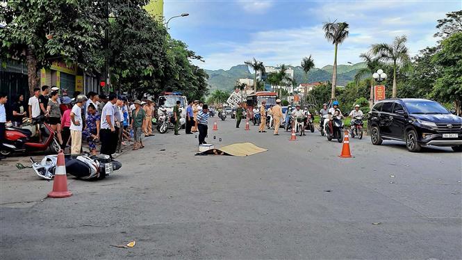 Trong ảnh: Hiện trường vụ tai nạn. Ảnh: Vũ Hà - TTXVN