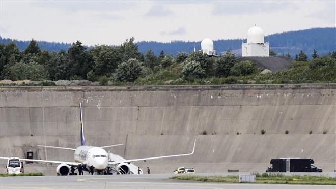 Bắt giữ đối tượng tình nghi sau vụ đe dọa đánh bom máy bay của Ryanair
