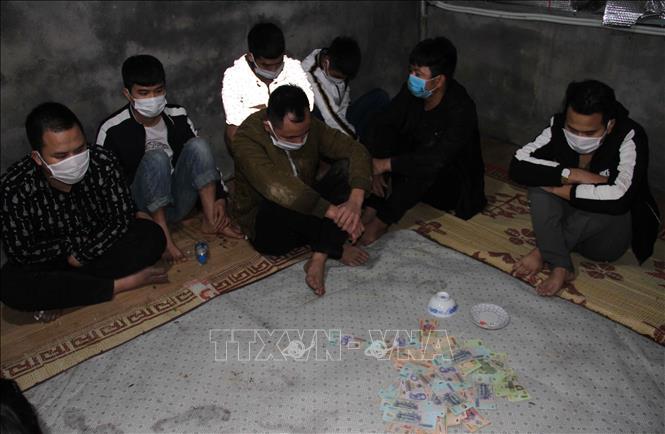 Các đối tượng trong một vụ đánh bạc tại Hưng Yên