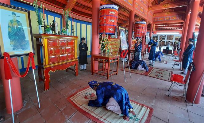 Trong ảnh: Lễ an vị bài vị Hoàng đế Hàm Nghi và các nghĩa sỹ Cần Vương tại Khu di tích quốc gia Thành Tân Sở, thôn Mai Đàn, xã Cam Chính, huyện Cam Lộ. Ảnh: Hồ Cầu-TTXVN