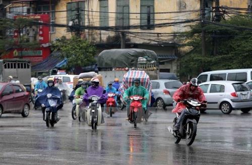 Thủ đô Hà Nội có mây, chiều tối và đêm có mưa rào và dông vài nơi