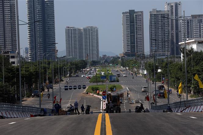 Cầu vượt sẽ kết nối với hàng loạt khu đô thị mới của quận Tây Hồ. Ảnh: Huy Hùng - TTXVN