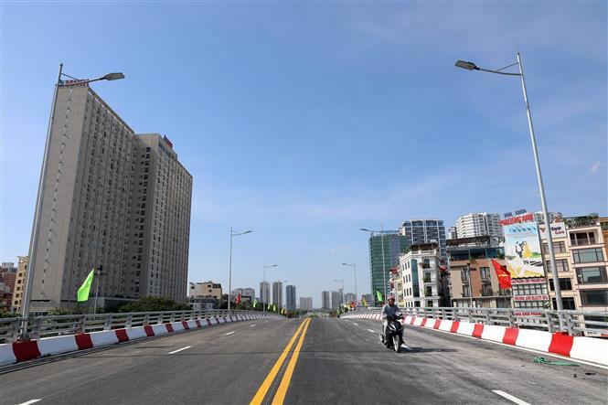 Công trình sau khi được đưa vào sử dụng sẽ góp phần giải quyết tình trạng ùn tắc giao thông. Ảnh: Huy Hùng - TTXVN